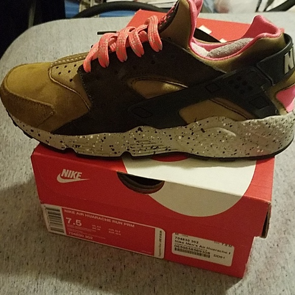 release date bfb0c 5d27d Authentic Nike HUARACHE RUN PRM